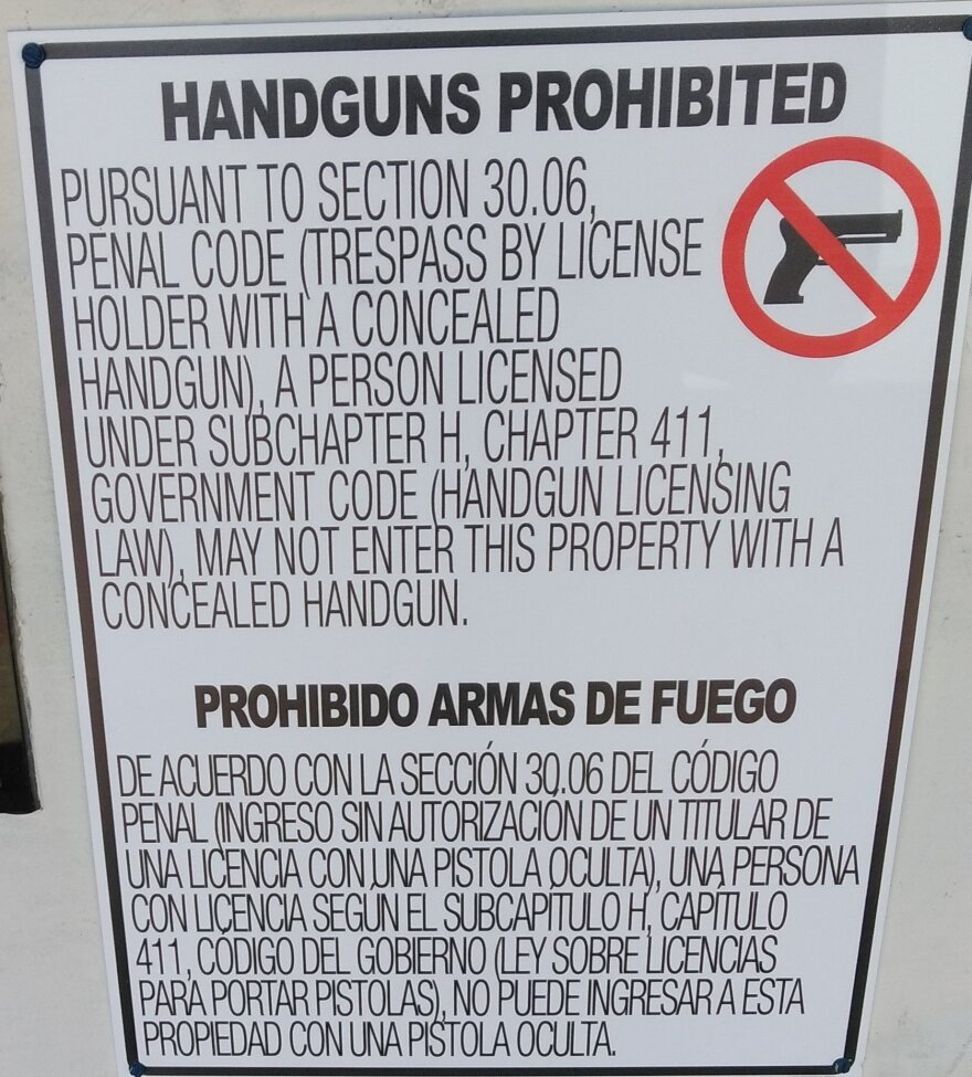 DCCCD_concealed_carry_sign__7.31.17.jpg