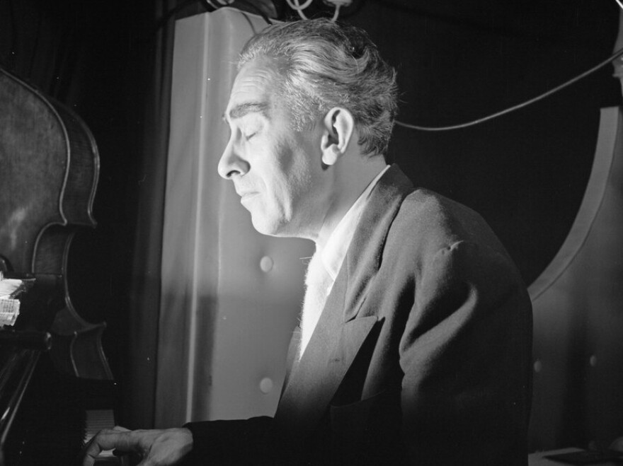 Art Hodes performs at the Ole South in New York City circa 1946.