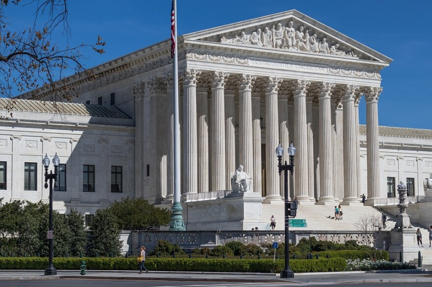 us-supreme-court-building-2225765_960_720.jpg