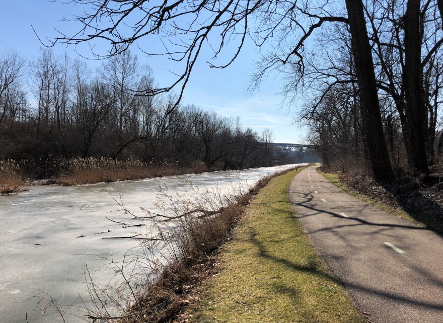 photo of the towpath trail