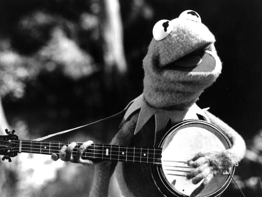 Kermit the Frog plays his banjo in 1979's <em>The Muppet Movie</em>.