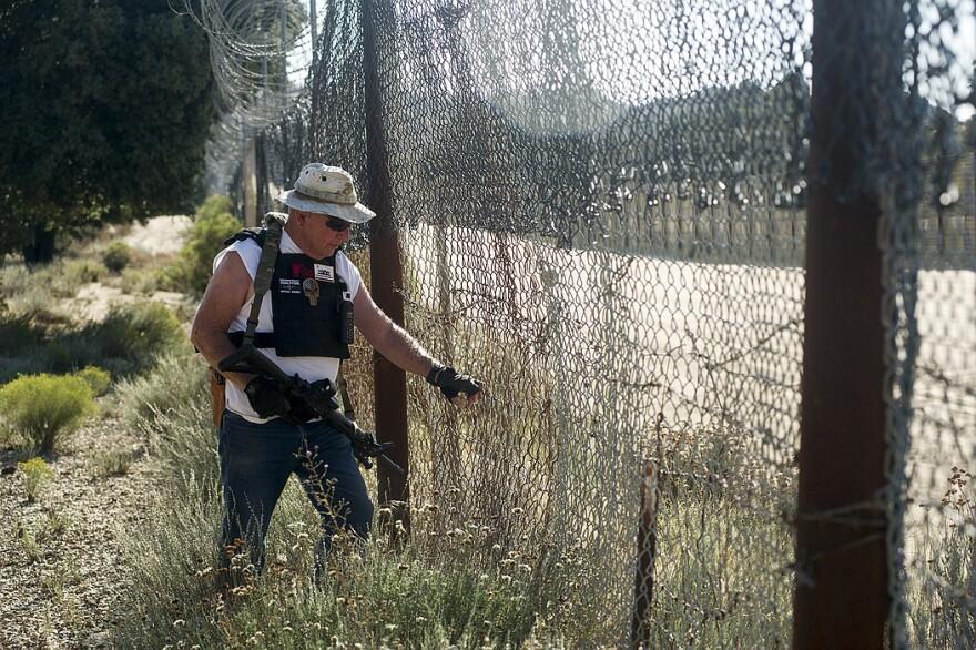 Border-Vigilante-iNEWS_BQ_09_tx700.jpg