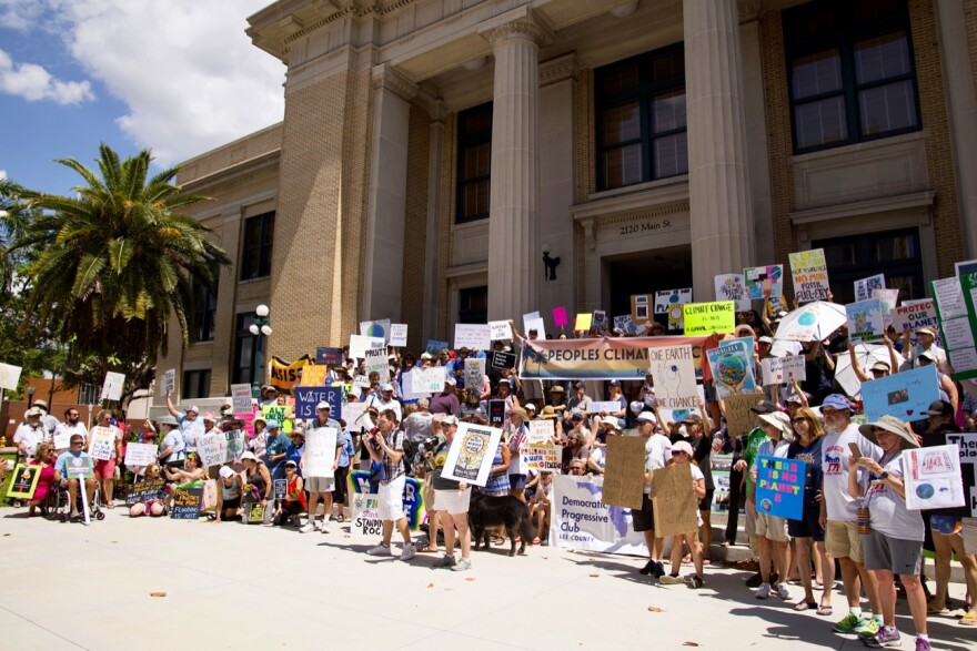 courthouse_climatge_protest_rally.jpg