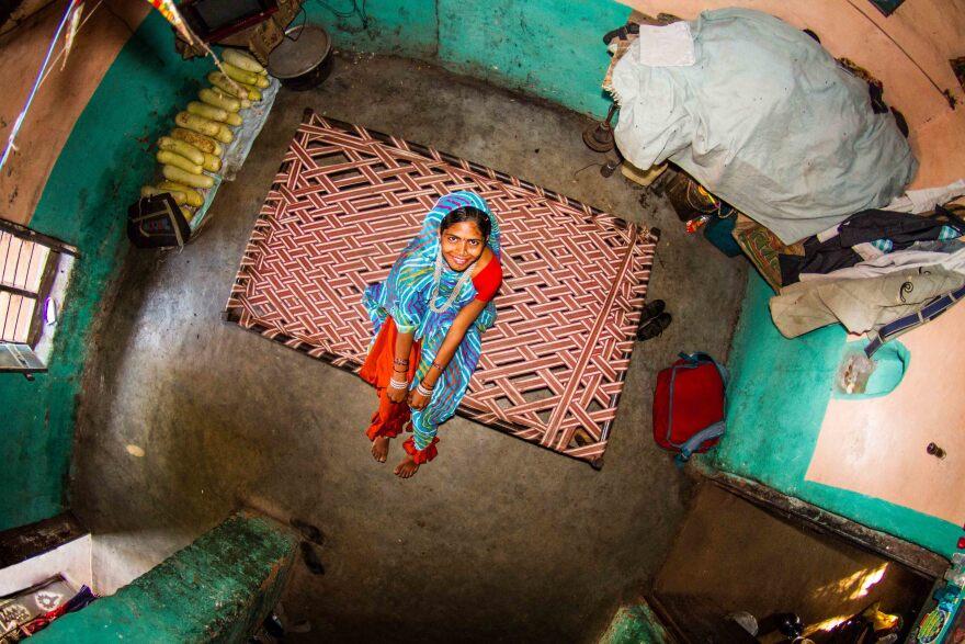 Asha, 17, is a housewife in Bamansemilya, India.