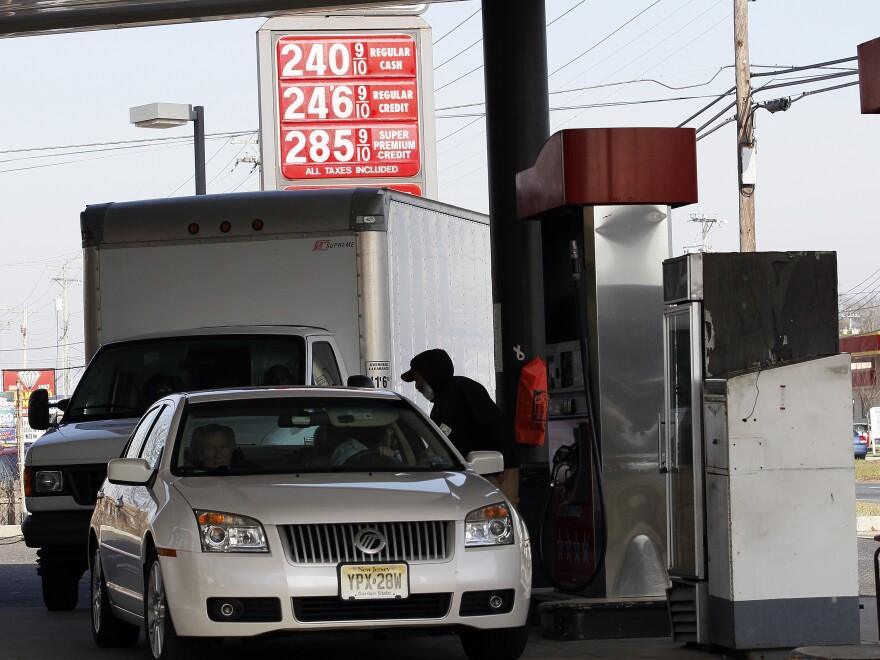 Vehicles wait in line at a gas station in Turnersville, N.J., last Thursday.