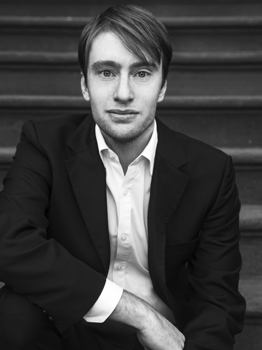 Gabriel Sherman is a contributing editor at <em>New York Magazine</em>, where he's written cover stories on media, politics and business.