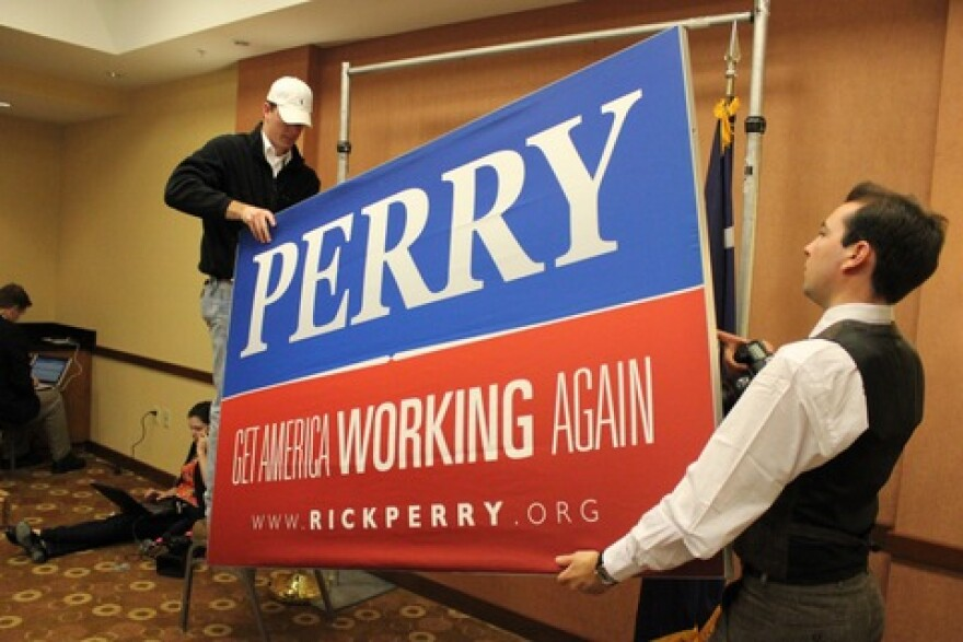 Perry for president sign comes down.jpeg
