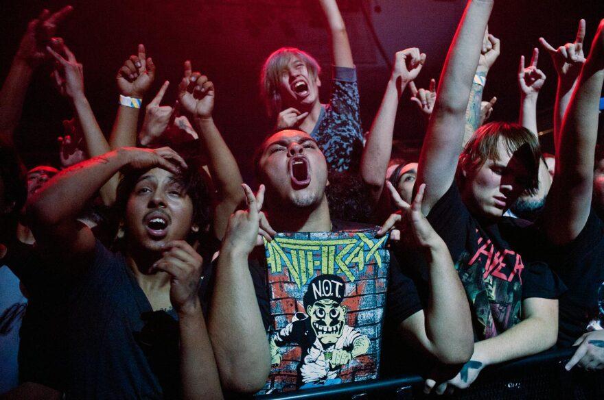 anthrax_crowd.jpg