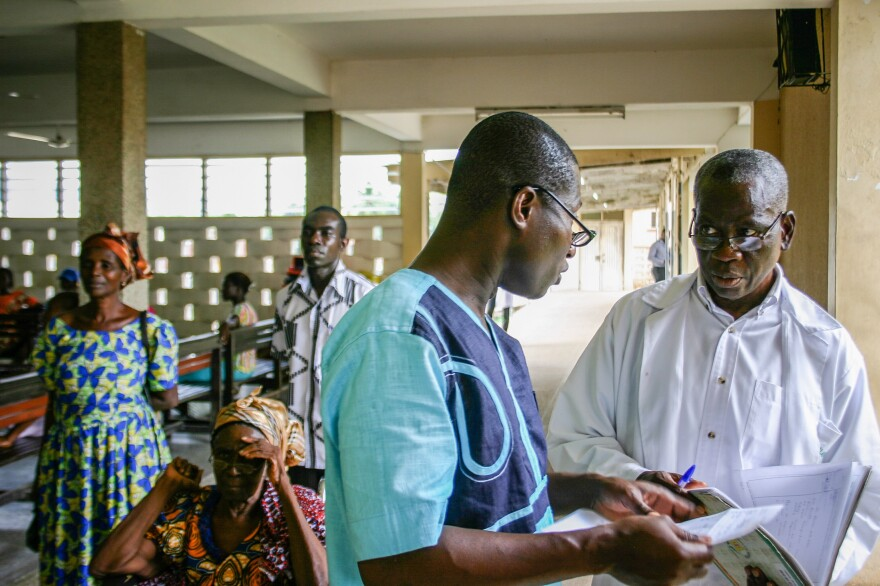 As he makes his rounds, Amponsah is constantly asked for advice by colleagues and patients. He and the other surgeon often have to improvise to make up for the outdated equipment and lack of supplies.