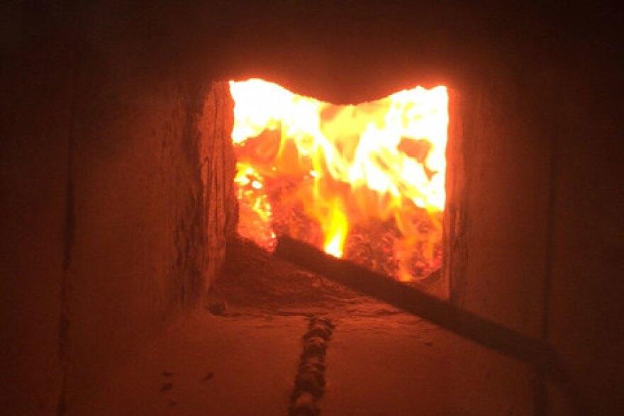 biochar_fuel-box-with-fire_therese-glowacki_11202015_480.jpg