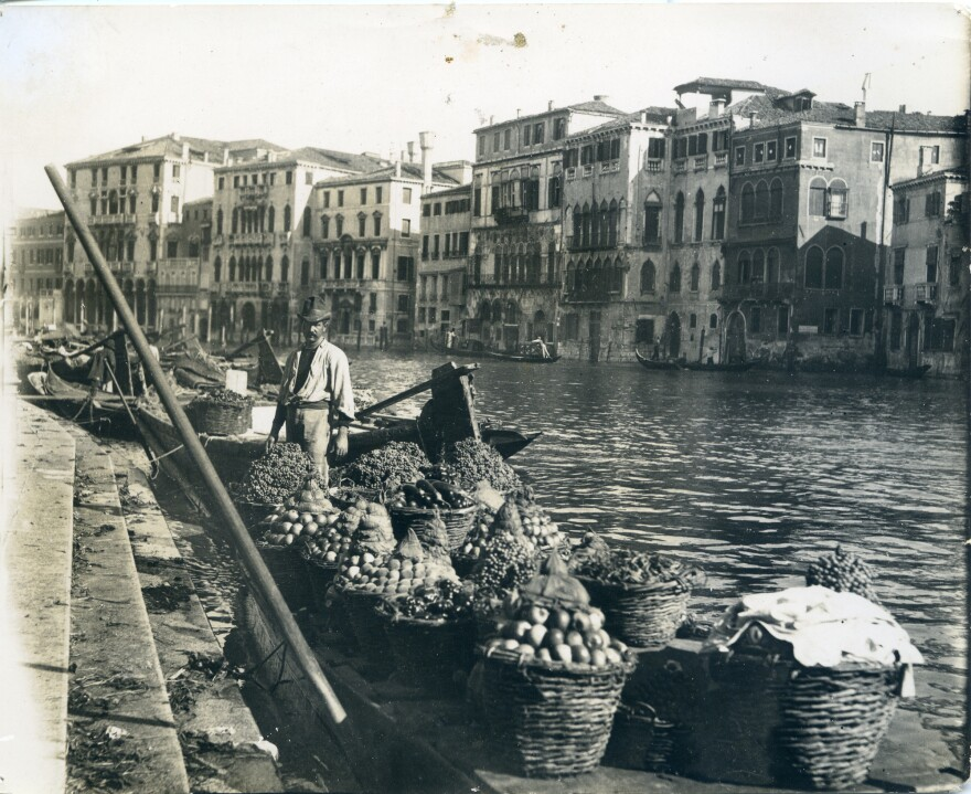 While visiting the grand canal of Venice in 1898, Fairchild photographed the fresh fruits and vegetables that were the earlier conquests of European plant explorers who brought them back from the New World. Items like tomatoes, onions, and squashes, like those pictured here, became central ingredients in Italian cooking.