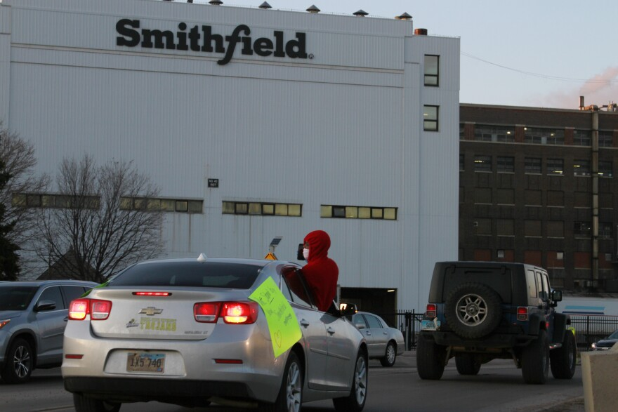 040920_Smithfield SD plant_Stephen Groves AP