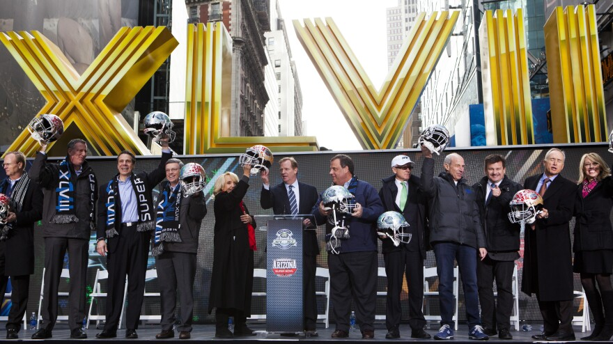 New York and national politicians join the NFL Super Bowl host committee in New York's Times Square Saturday. When it comes to political contributions, the owners of Sunday's Super Bowl contenders are plenty active.