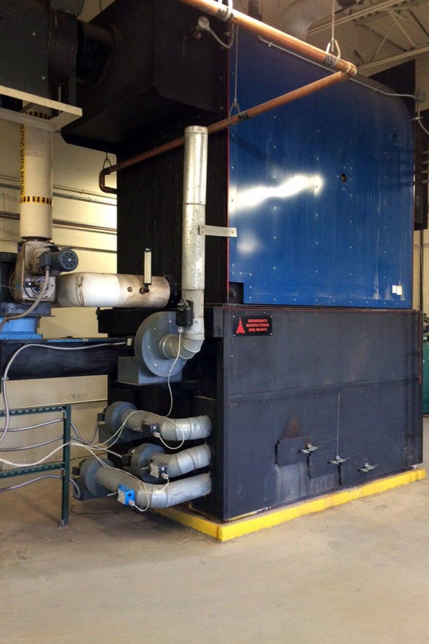 biochar-biomass-boiler-2_therese-glowacki_11202015_960_0.jpg