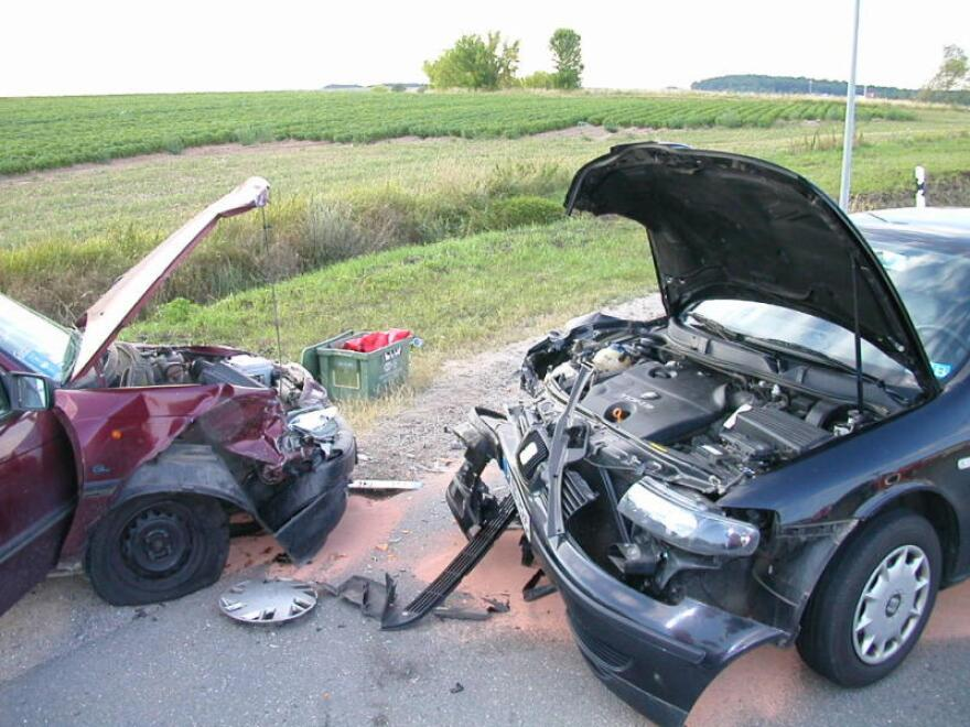 vehicle_crash_wikimedia_commons.jpg