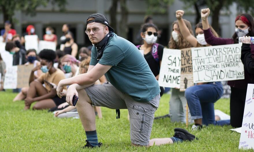 Naples Protest16.JPG