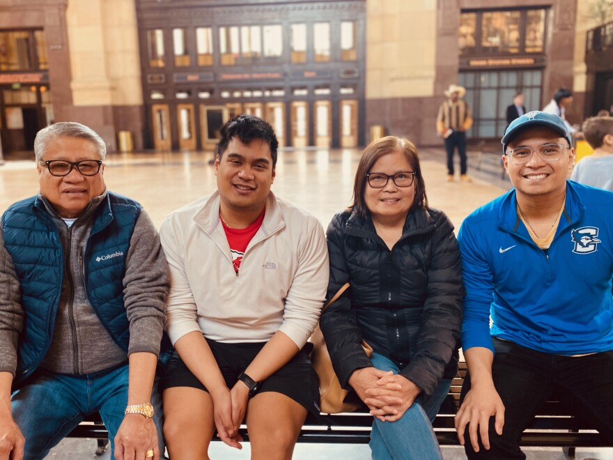 051220_yap-banagofamily.jpg_yap-banago family