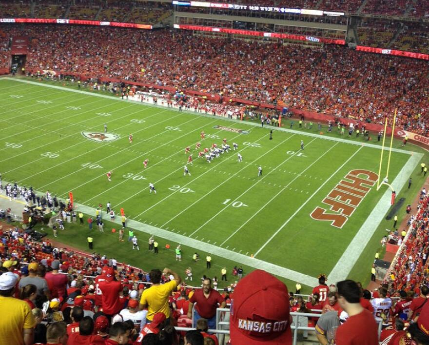 Chiefs_arrowhead_1.jpg