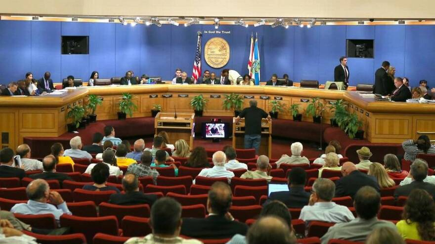 dade_commission_meeting_news_-_herald_0.jpeg