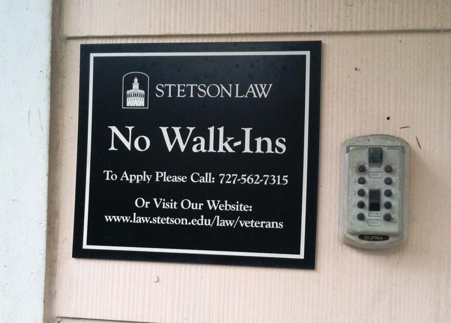 no_walkins_sign.jpg