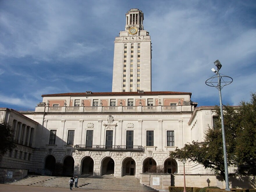 University_of_Texas_tower.JPG