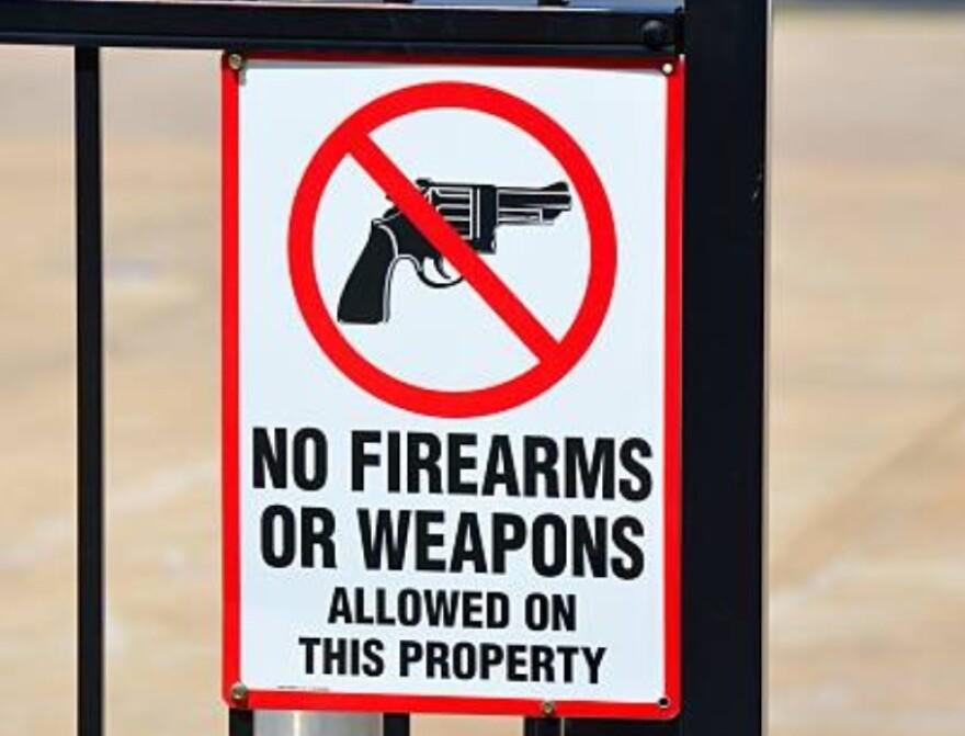 GunFreeZoneiStock0125.jpg