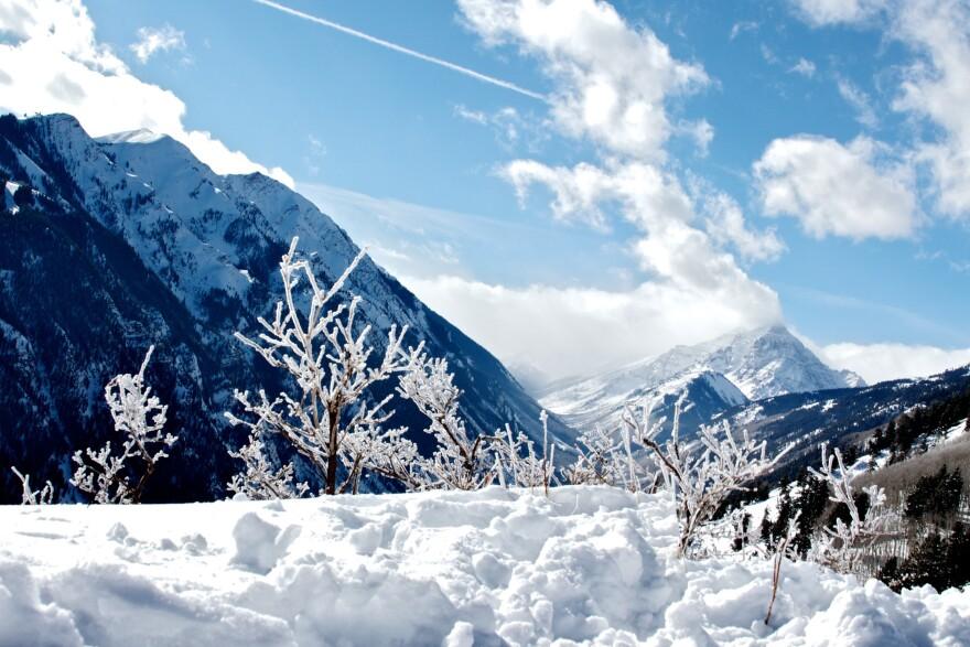 aspen_snowmass_20100129_zach_dischner_cc-by-2_0.jpg
