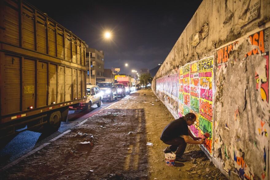 "Pedro ""Monky"" Rojas brings chicha art to the streets of Peru."