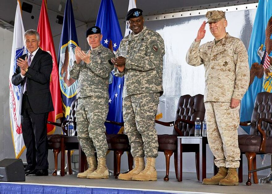 CENTCOM_Gen_Mattis_recognized-cropped.jpg