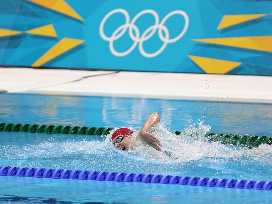 Rebecca Adlington swims to a bronze medal finish in the 400-meter freestyle final Sunday.