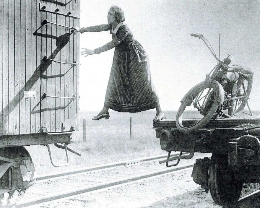 stuntwoman_helen_holmes.jpg