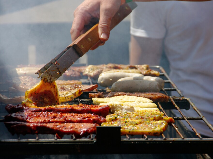 Planning to grill this Memorial Day? Below, Food Network chef Alton Brown has some tips to keep your flavor from going up in smoke.