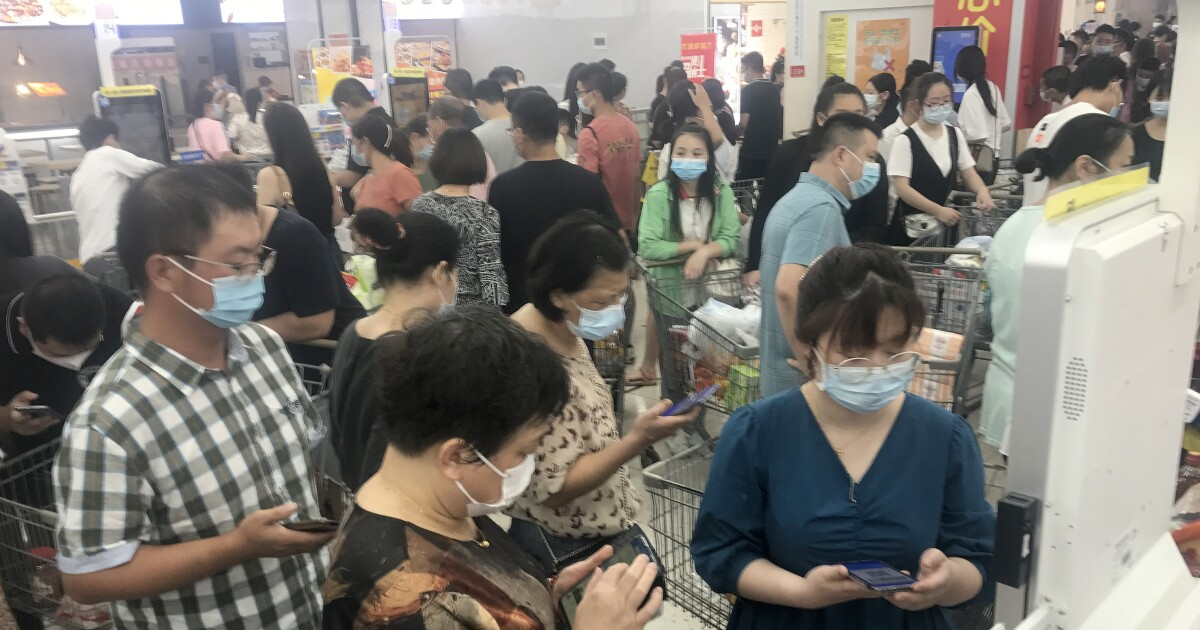 Panic Buying And Transport Lockdowns. In Wuhan, It Feels Like Early Pandemic Again