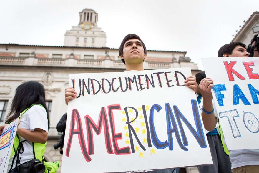 1-web2013-11-20-Undocumented-Counterprotest-UT_Jorge.Corona011_0.jpg