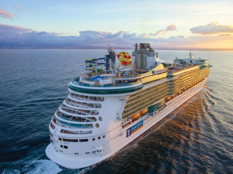 low_1600881251_RCI-ID-June2018-Portugal-Heli-JordanDani-Sunrise-Ship-01-0012-RET-CMYK.jpg
