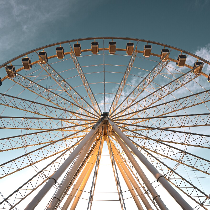 The glass-enclosed gondolas of the St. Louis Wheel will allow the attraction to remain open year-round.
