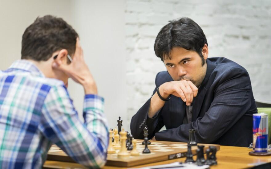 Fabiano Caruana in a match with Hikaru Nakamura at the 2016 U.S. Championship