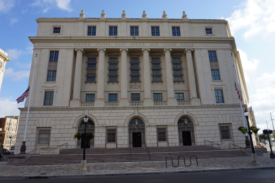 San_Antonio_July_2017_03_Hipolito_F._Garcia_Federal_Building_and_United_States_Courthouse.jpg