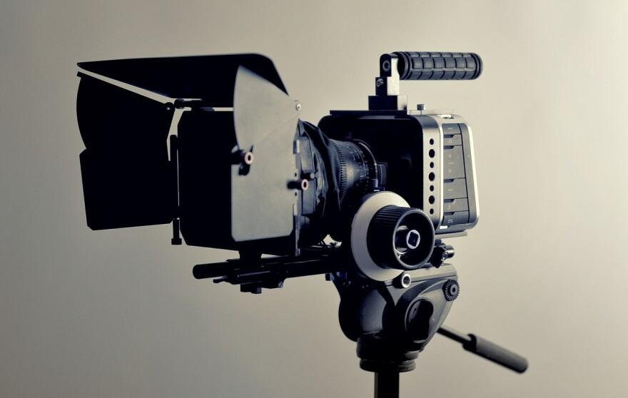 camera-2341279_1280.jpg
