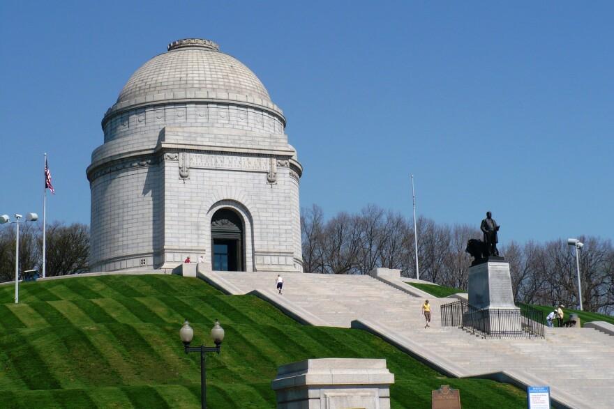 William_Mckinley_Monument_Canton_OH.jpg
