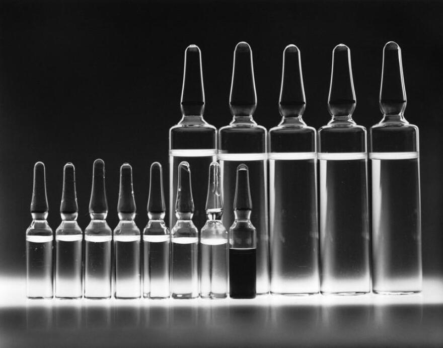 Photo of a set of chemotherapy vials.