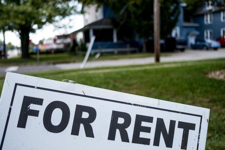"""photo of """"For Rent"""" sign"""