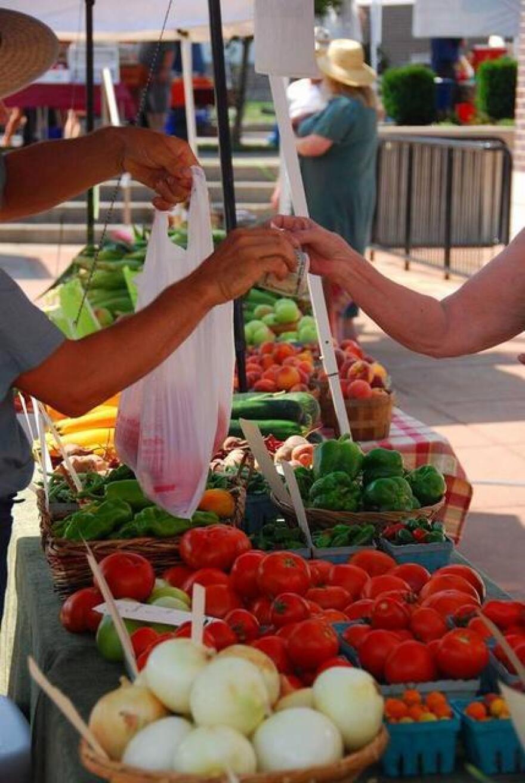 photo of farmers' market