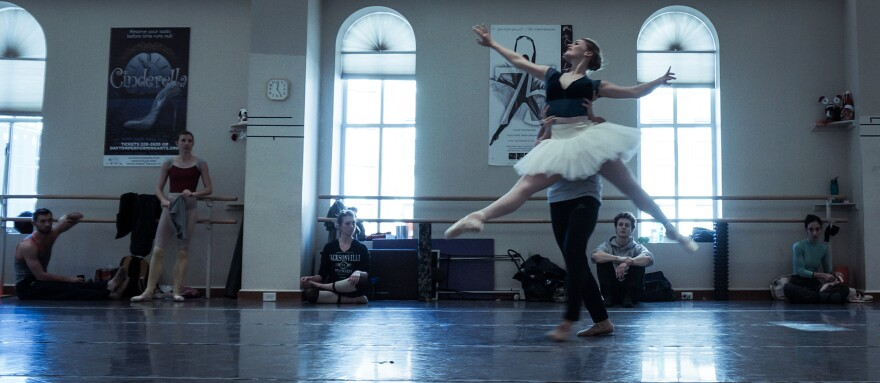 photo_b-_the_dayton_ballet_prepares_for_its_2015_production_of_the_nutcracker.__jason_reynolds_wyso_i.jpg