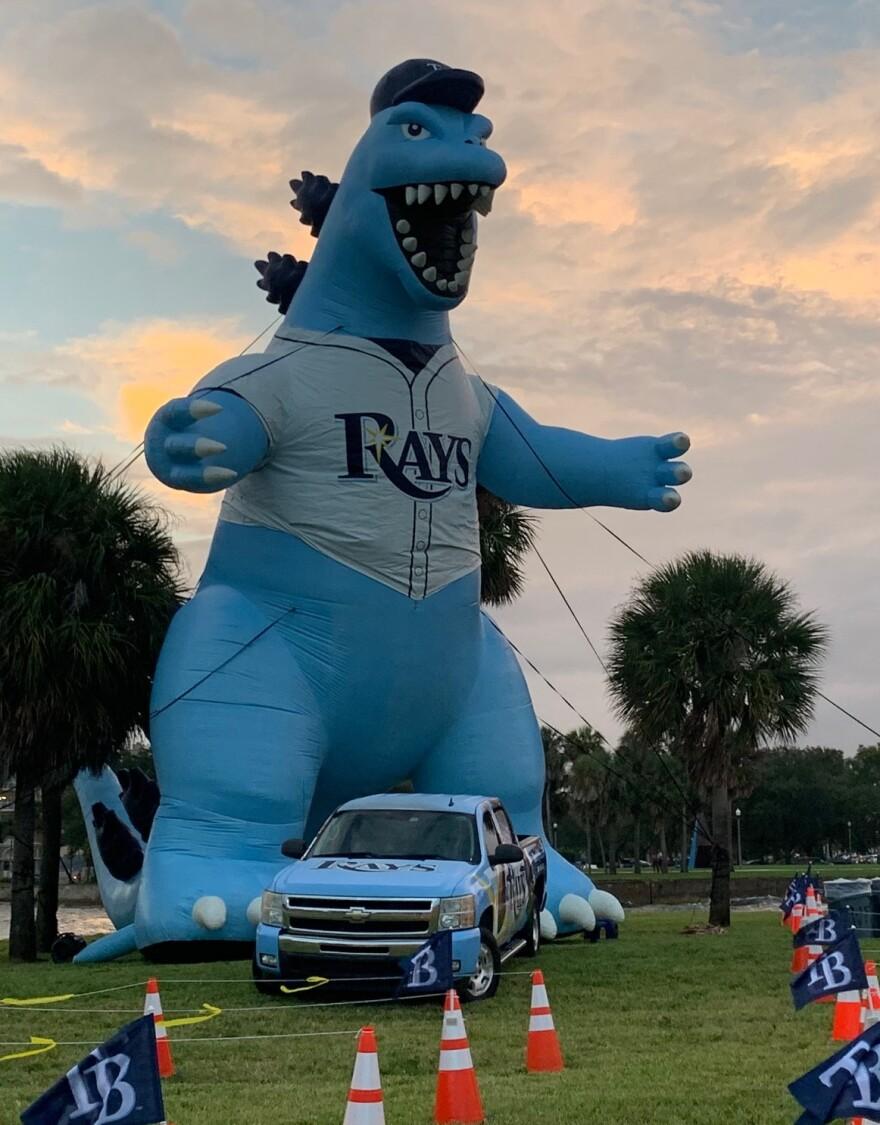Blow-up Rays dinosaur mascot