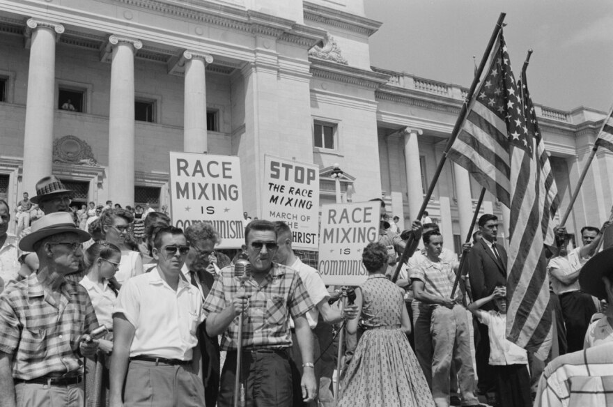 racist_little_rock_integration_protest_1959.jpg