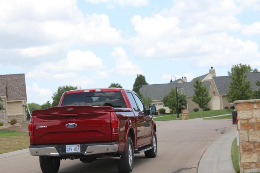 red_pickup_truck_0.jpg