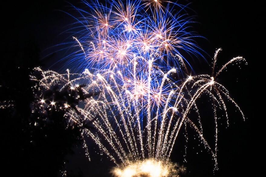 fireworks_aspen_20190410.jpg