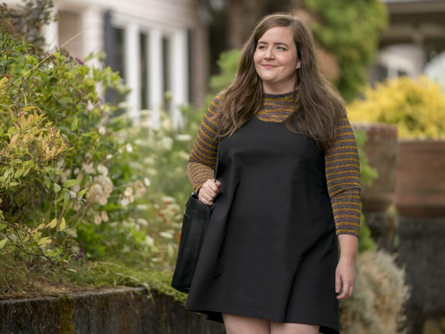Aidy Bryant plays Annie, a young journalist who is self-conscious about her weight, in the Hulu comedy series <em>Shrill. </em>The series is based on the book by Lindy West.