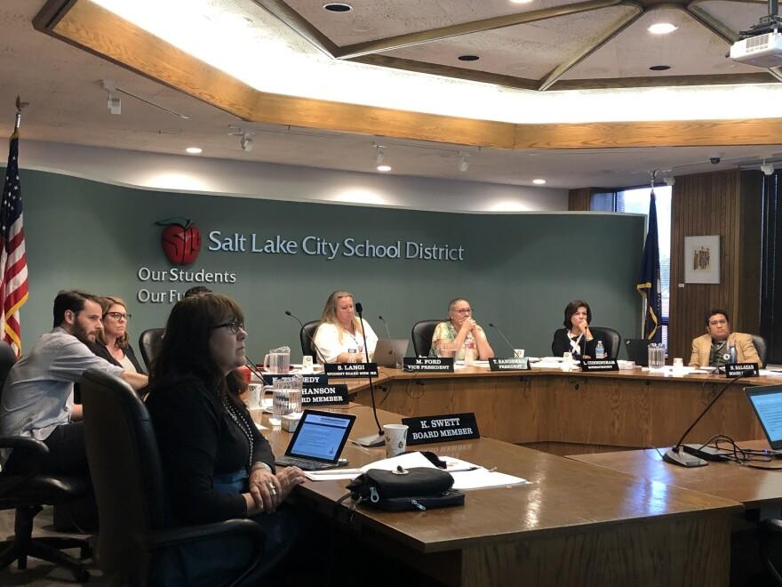 Photo of school board meeting.